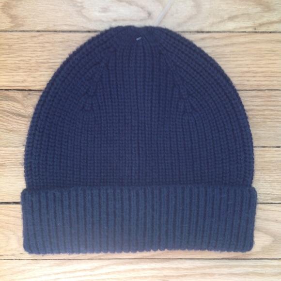 GAP Wool Solid Navy Blue Beanie Hat Cap Mens Plain d83fde4f17b
